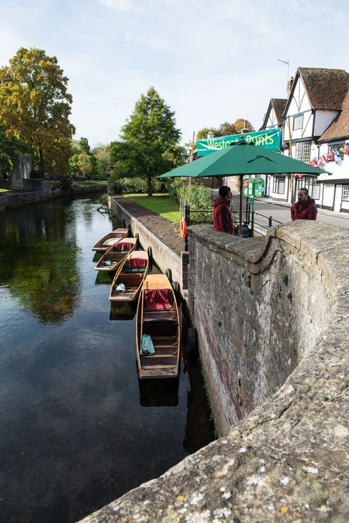 Cafes and restaurants in Canterbury