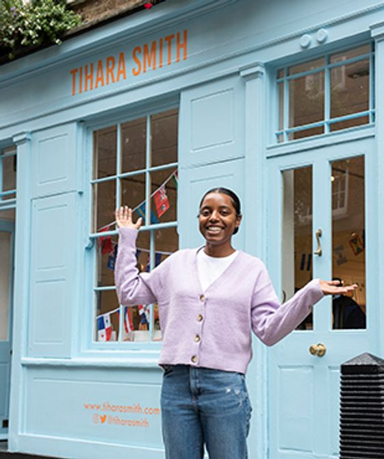 Tihara Smith outside her pop-up shop in Seven Dials, London ©7dials